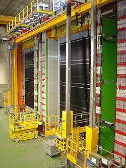 Детектор OPERA (на фото) зафиксировал четкий след нейтрино раньше расчетного времени