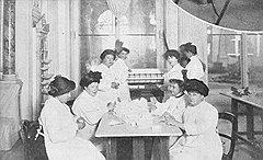 Сухомлинова в лазарете Зимнего дворца. 1914 год