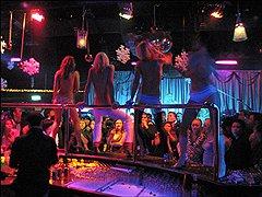 В Китае русских девушек чаще всего берут на работу в клубы