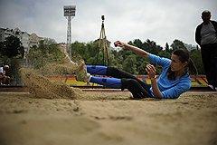 Прыгунья в высоту Анна Чичерова отрабатывает элементы прыжка на городском стадионе в Сочи. Для нее лондонские Игры станут третьими в карьере: в Афинах она осталась без медалей, а в Пекине завоевала бронзу