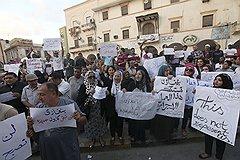 На следующий день после нападения на дипломатов ливийцы в бенгази протестовали против налетчиков. американцы, однако, уверены, что не обошлось без «Аль-Каиды»