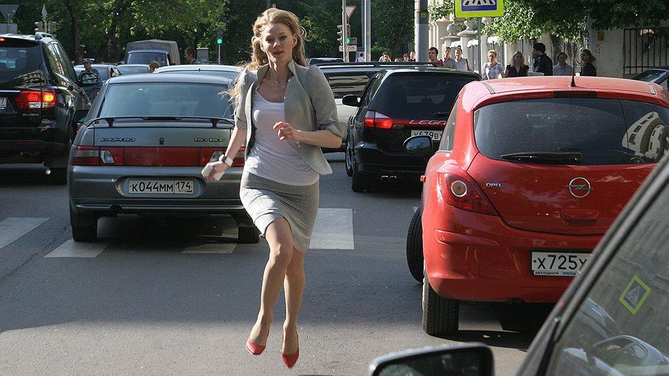 Несмотря на усилия, авторам фильма не удается соединить актрису Ходченкову (на фото) и человеческое горе
