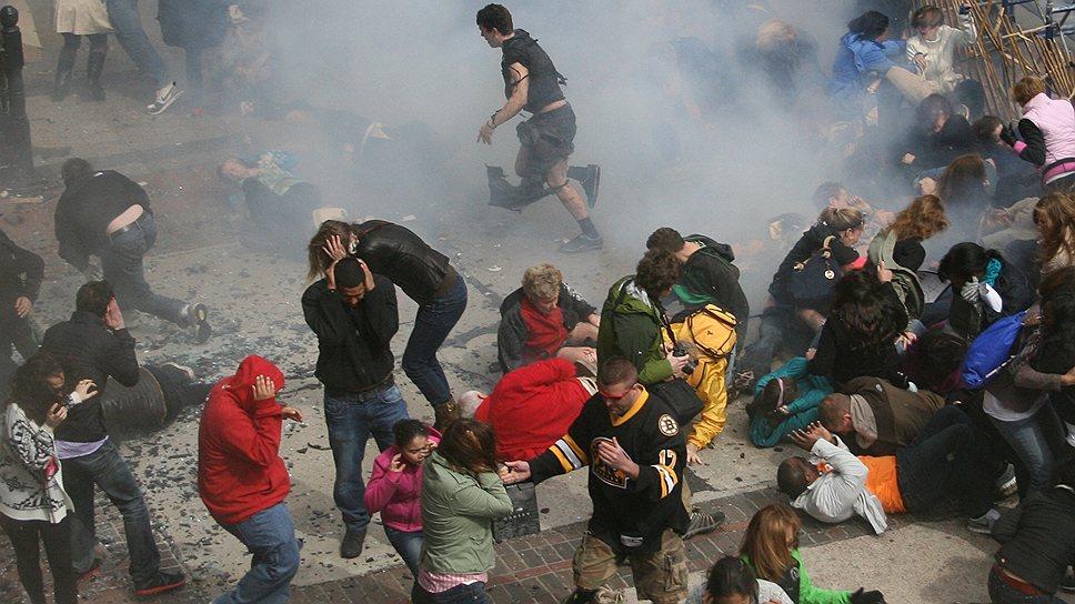 Взрывы на финише. После трагедии в Бостоне ФБР бросило сотни агентов на изучение фото- и видеоматериалов очевидцев события в надежде выйти на след террористов