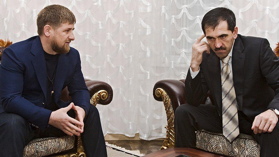 Рамзану Кадырову (слева) и Юнус-Беку Евкурову с каждым днем все сложнее находить общий язык