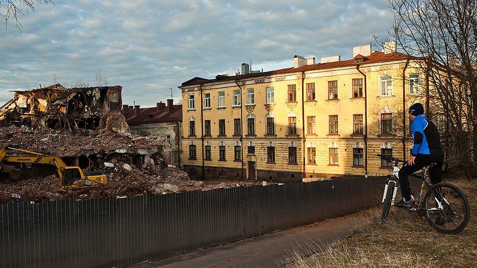 Снос старого дома в центре Выборга вызывает грустные чувства