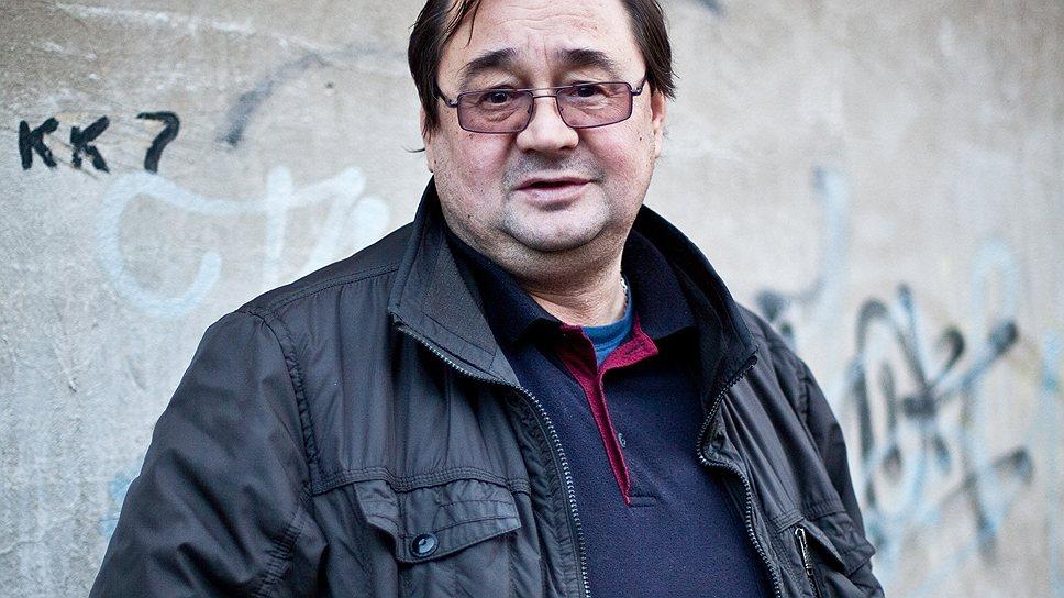 Раньше Сергей Орлов занимался реставрацией, сейчас на нее спроса нет