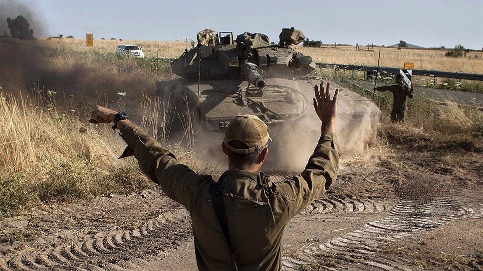 Гражданская война в Сирии докатилась до границы с Израилем. Солдаты ЦАХАЛ расставляют танки на Голанских высотах