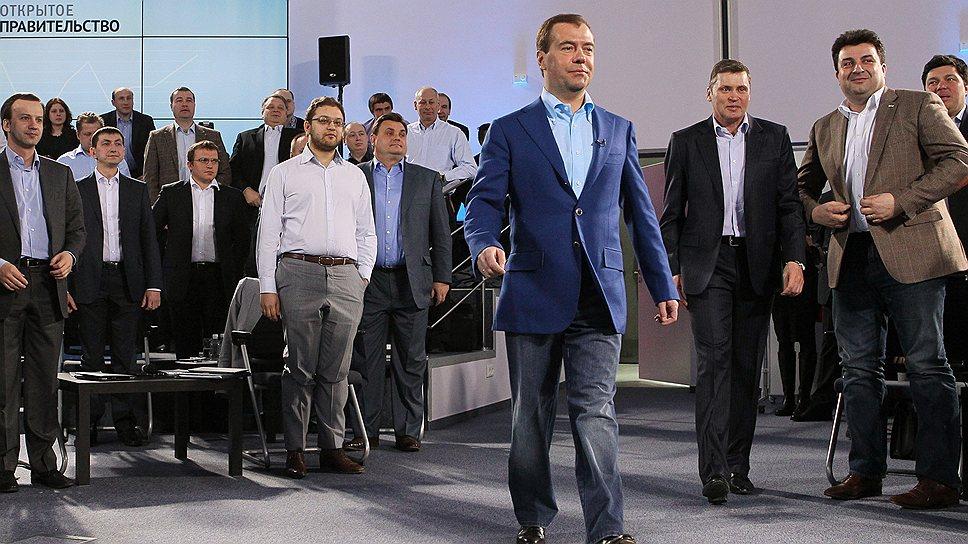 Дмитрий Медведев одним из первых заявил о необходимости обновить российскую элиту