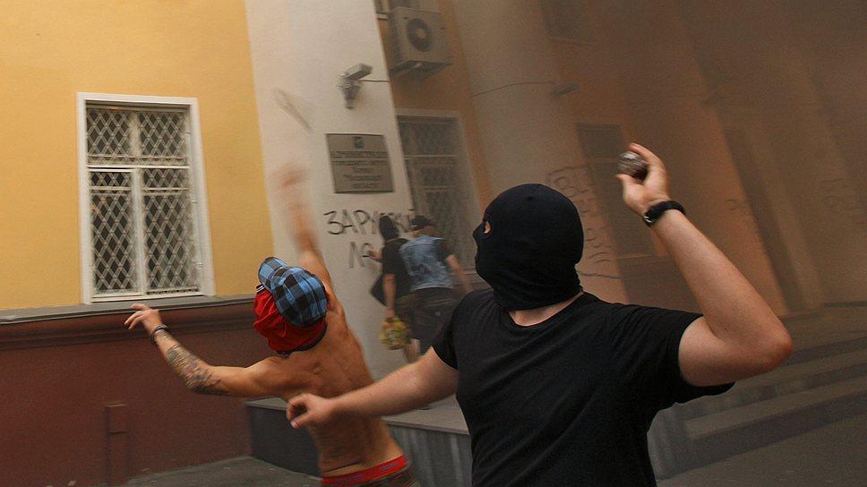 Протестная акция у здания администрации города Химки была отнюдь не безобидным мероприятием. По сути, имел место погром
