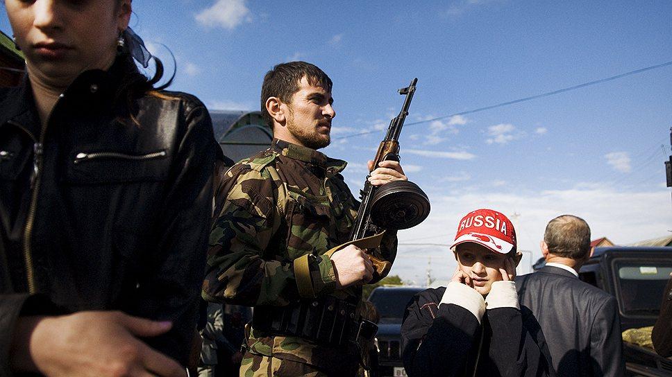 Ни одна чеченская свадьбе не проходит без стрельбы из ружей и автоматов