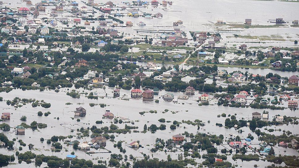 Вода в Амуре поднялась на 3 метра. Но ландшафт региона изменила главным образом вышедшая из берегов река Зея