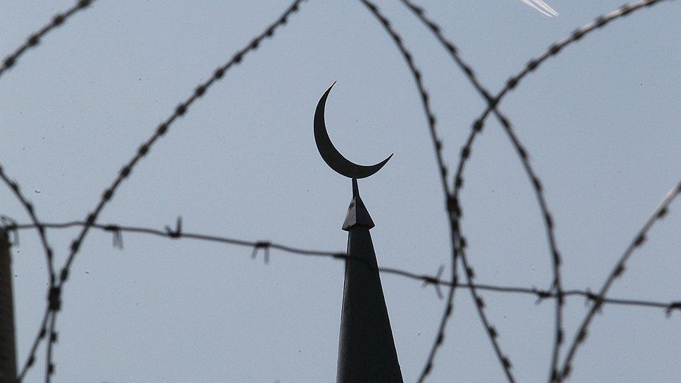 Ислам в России проповедуют и за колючей проволокой. Порой под маской традиционной религии скрывается фундаментализм