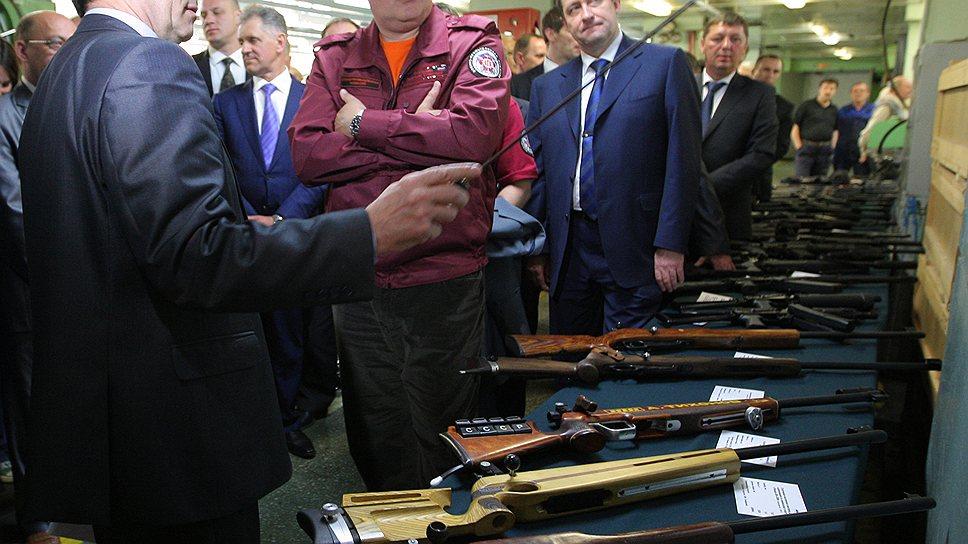 Вице-премьер Дмитрий Рогозин умеет зажечь словом. Зажечь делом пока не очень получается