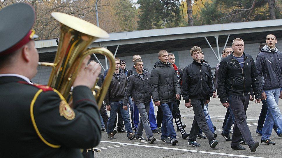 Перспективы перехода российской армии на контракт