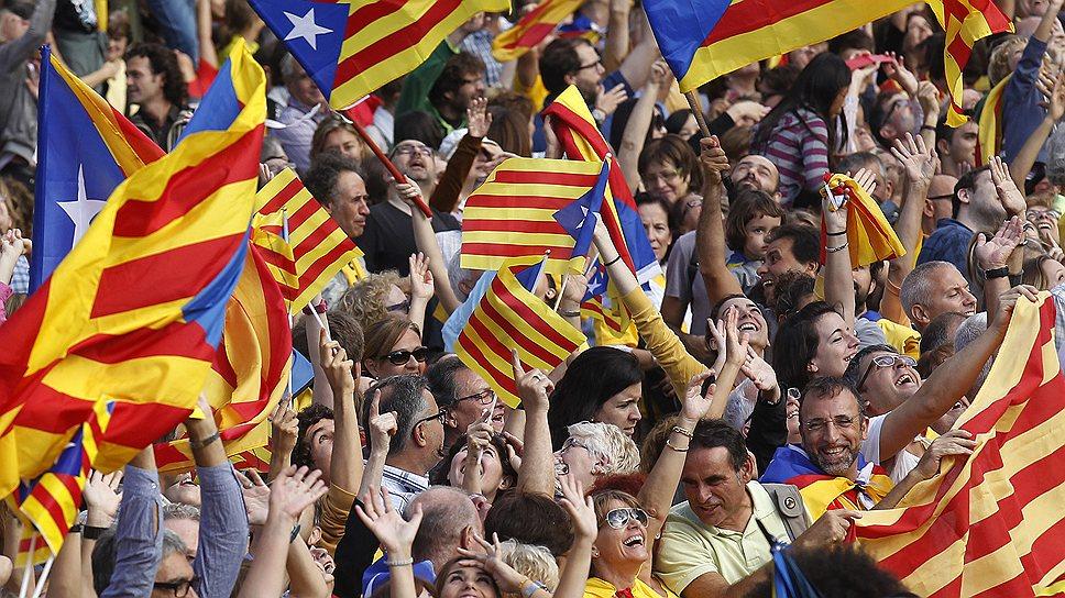 Каталонцы мечтают отделиться от Испании — надеются, что это позволит им жить лучше