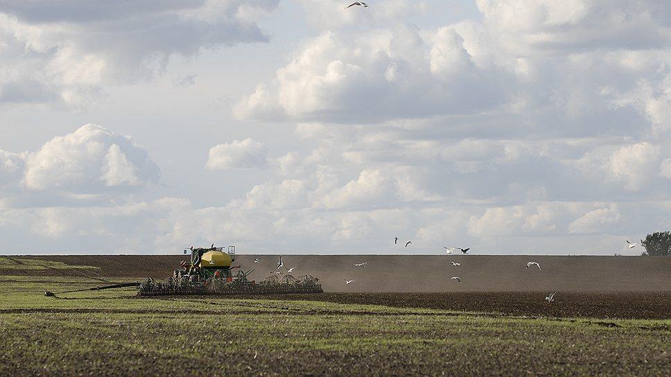 Из 389 млн гектаров земель, предназначенных для сельского хозяйства, в частной собственности у нас находится менее половины