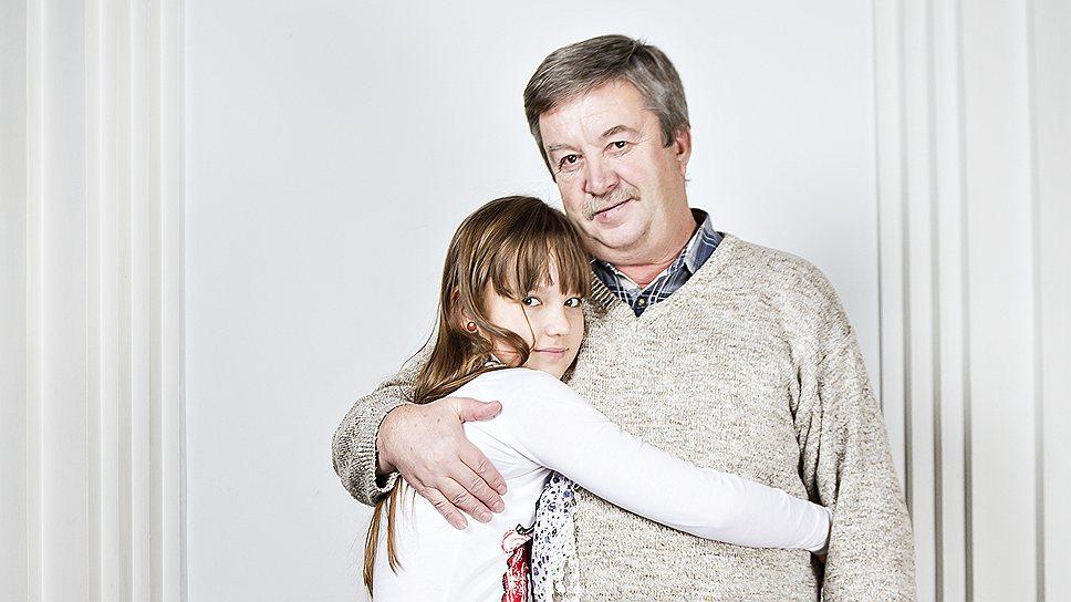 Сергей Курылев, 59 лет, не работает. С ним Соня, 11 лет