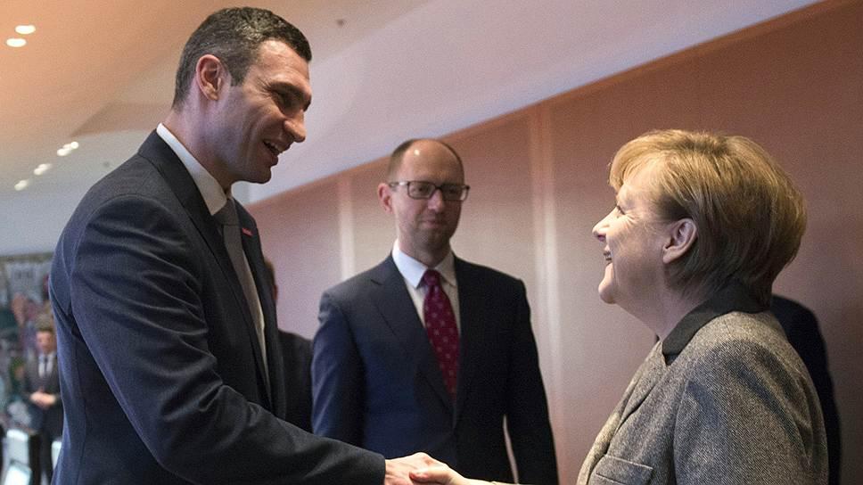 Виталий Кличко и Арсений Яценюк для встречи с канцлером Ангелой Меркель летали в Берлин вместе