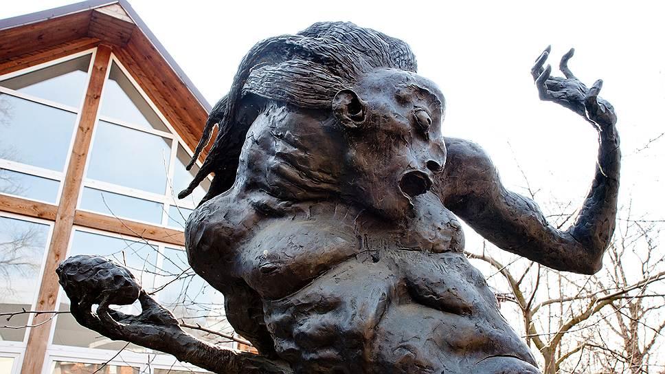 """""""Кентавр с камнем"""" тоже напоминает о кочевниках — в нем человек соединяется с диким конем"""