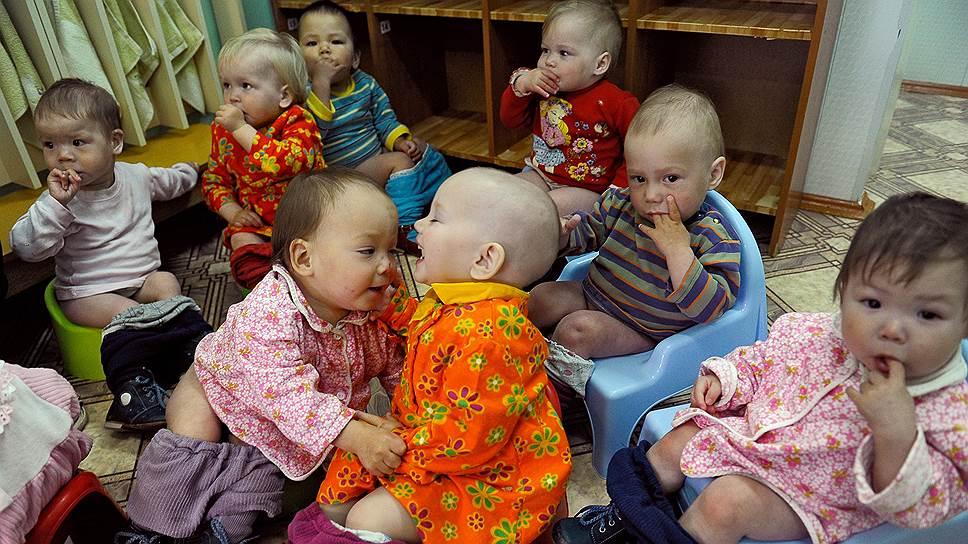Государство наконец признало: дома малютки и другие сиротские учреждения — это не норма, а плацдарм для дальнейшего устройства ребенка в семью