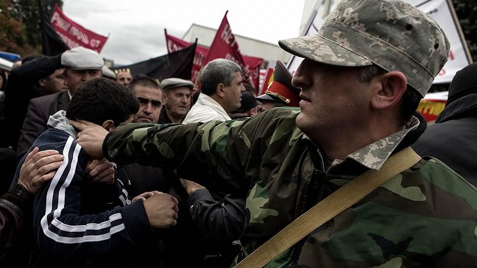 Митинги в Махачкале проходят в жесткой стилистике: сказывается накал страстей в республике