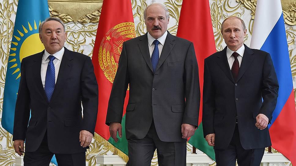 Президенты Казахстана, Белоруссии и России после заседания Высшего евразийского экономического совета в Минске, 29 апреля 2014 года