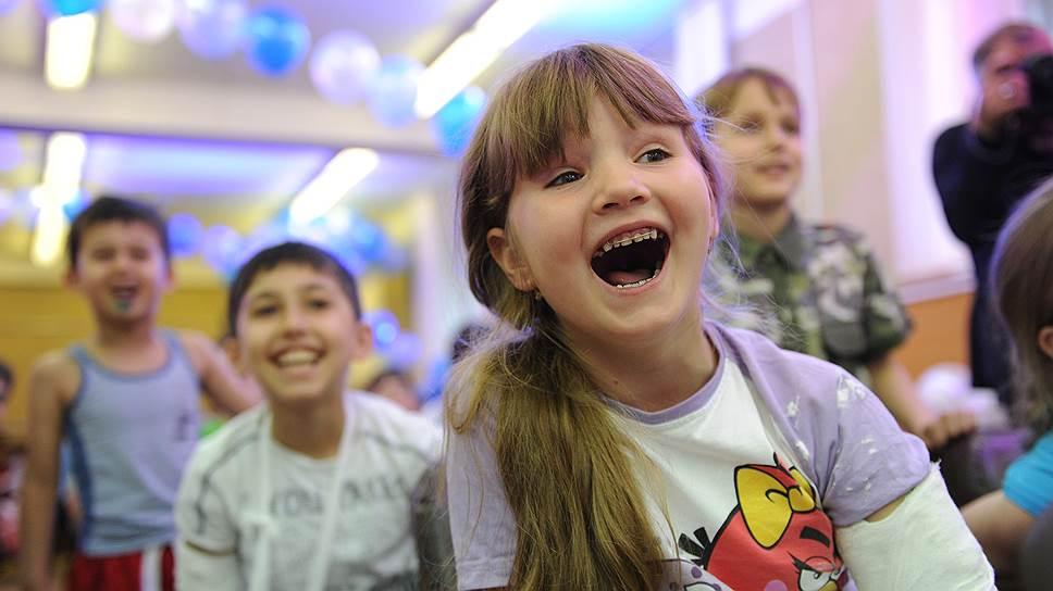 """Благотворительная акция """"Мир без слез"""" доставила радость и маленьким пациентам, и сотрудникам больницы"""