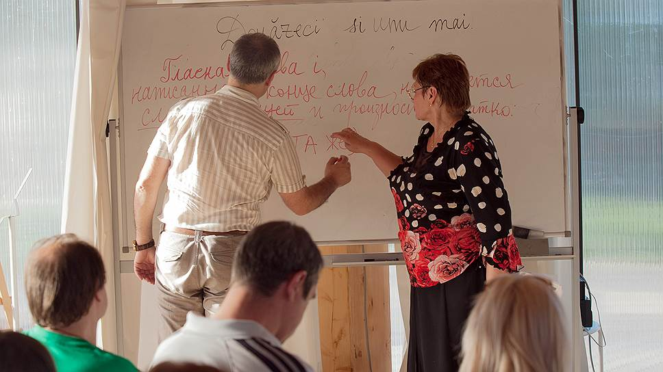 На уроках молдавского с Валентиной Плеш нетрудно снова почувствовать себя школьником