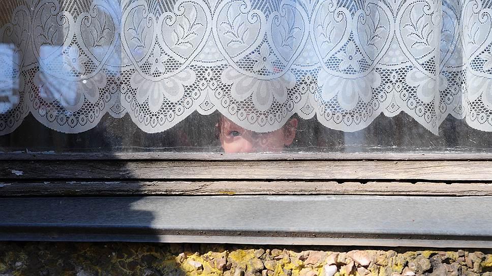Страшно, когда дети никому не нужны. Но в России, по разным данным, от 100 тысяч до 600 тысяч сирот