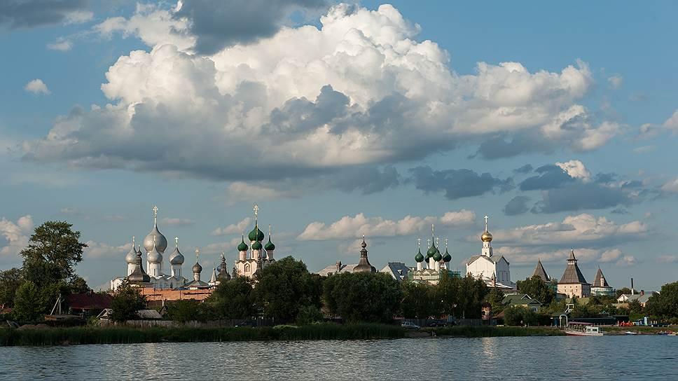 Ростовский кремль кремлем может быть назван только условно. Он строился как митрополичья резиденция, а не для обороны