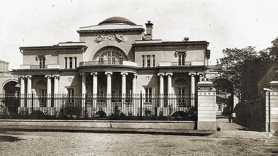 Посольский дом в Иркутске