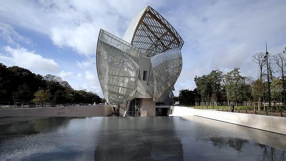 Здание музея стало одной из самых футуристичных работ архитектора Фрэнка Гери