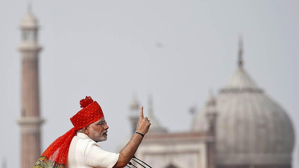 """""""Учите хинди!"""" — внушает Моди и своим соотечественникам, и всему миру"""