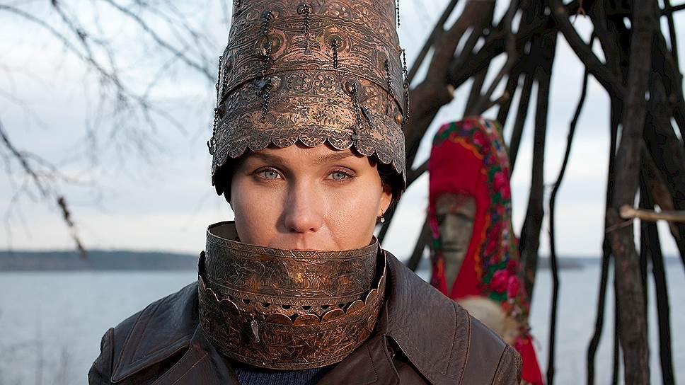 Одну из главных ролей - Полины-Революции - сыграла Дарья Екамасова
