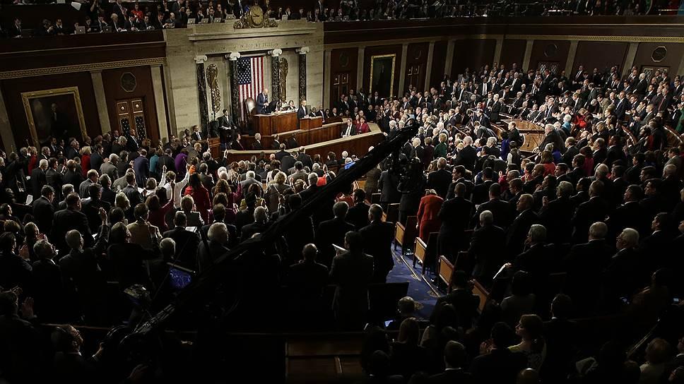 В ответственное время американский конгресс, увы, способен делать безответственные шаги. Как раз накануне Минской встречи на Капитолийском холме опять заговорили о необходимости начать поставки оружия Украине