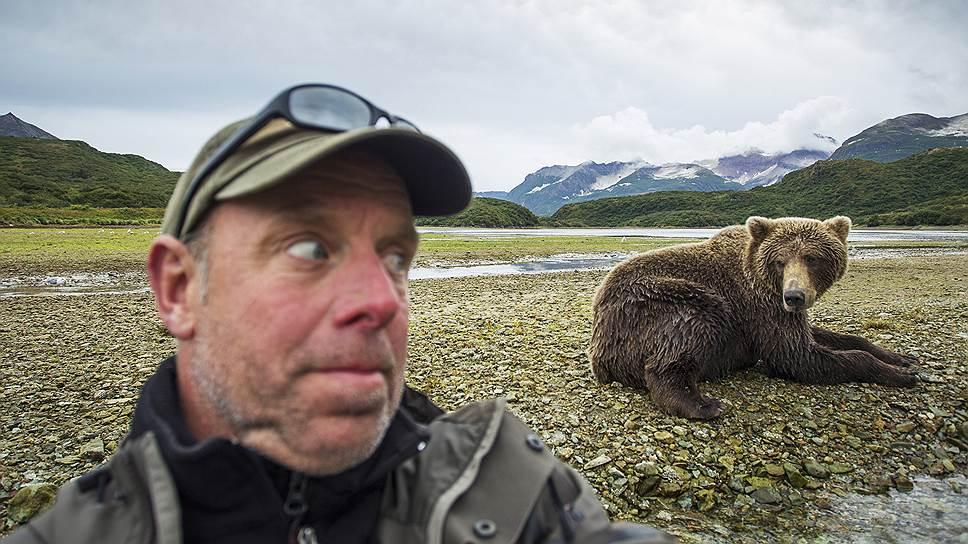Чего не сделаешь ради эффектного снимка? Некоторые даже рискуют жизнью, фотографируясь на фоне диких животных