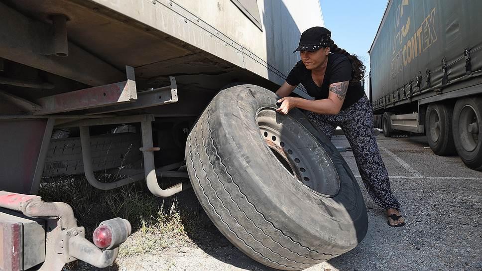 """""""А как ты колесо поменяешь?"""" — этот вопрос злит Юлю больше всего"""