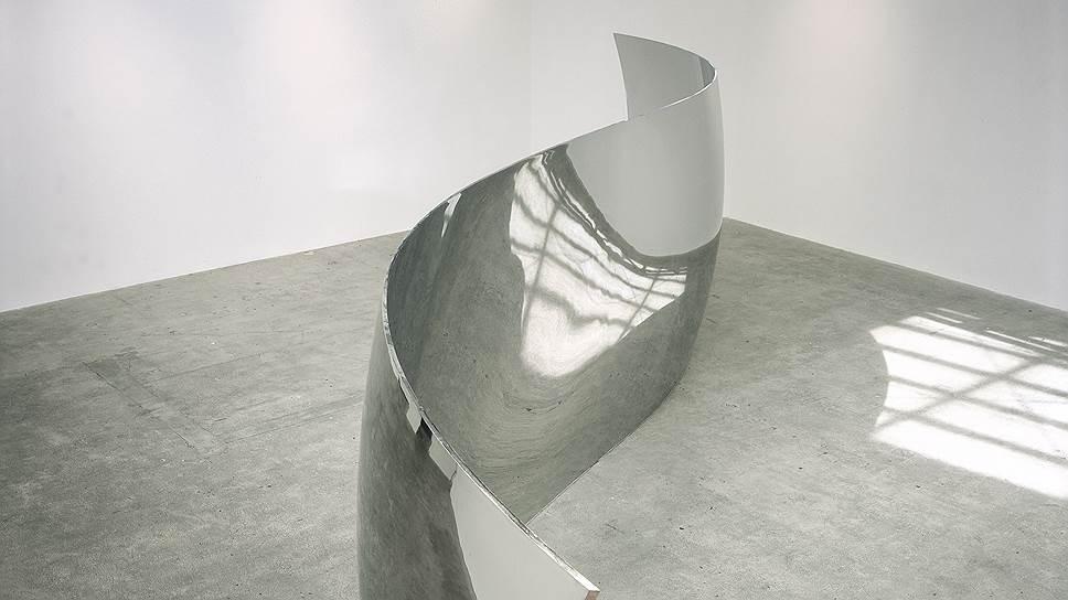 Аниш Капур. My Red Homeland  работы 2006