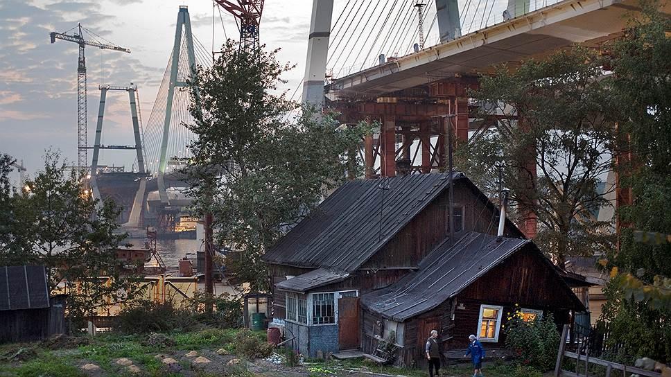 Как бы ни менялась жизнь вокруг, быт многих российских городов остается вполне деревенским