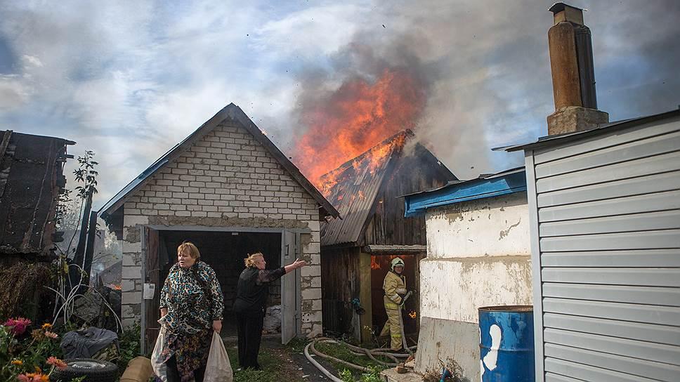 Пожар в маленьком городе — всегда главная новость. Но, слава богу, есть кому потушить