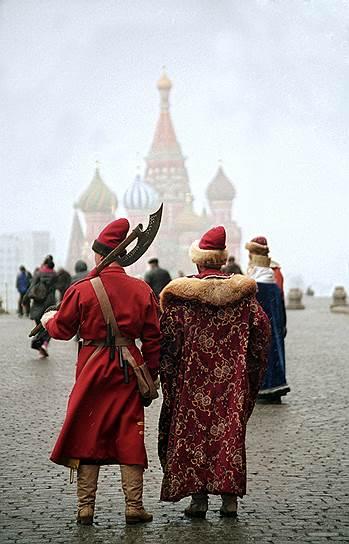 Сегодня все чаще вспоминают знаменитую фразу  Бенкендорфа: прошедшее России удивительно, настоящее великолепно, а будущее лучше всего, что можно вообразить...