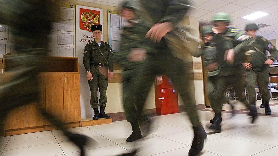 Быть десантником почетно, поэтому учиться надо упорно (на фото — Рязанское высшее воздушно-десантное училище)