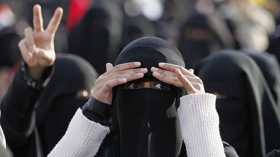 """Под паранджой трудно определить, из какой страны и с какими мыслями приезжают в горячие точки """"жены джихадистов"""""""