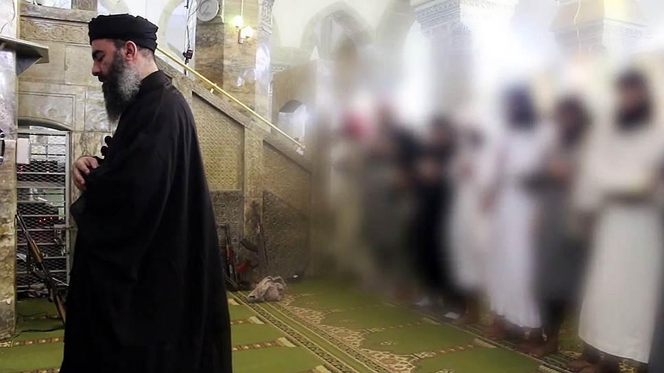 Фотографий главы ИГ значительно меньше, чем легенд о нем
