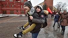 Школьников обязательно водят в Кремль. Как же — живая история!