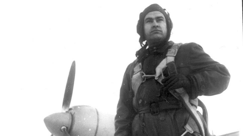 На боевом счету Алексея Маресьева 11 вражеских самолетов. Из них семь он сбил, когда пилотировал уже на протезах