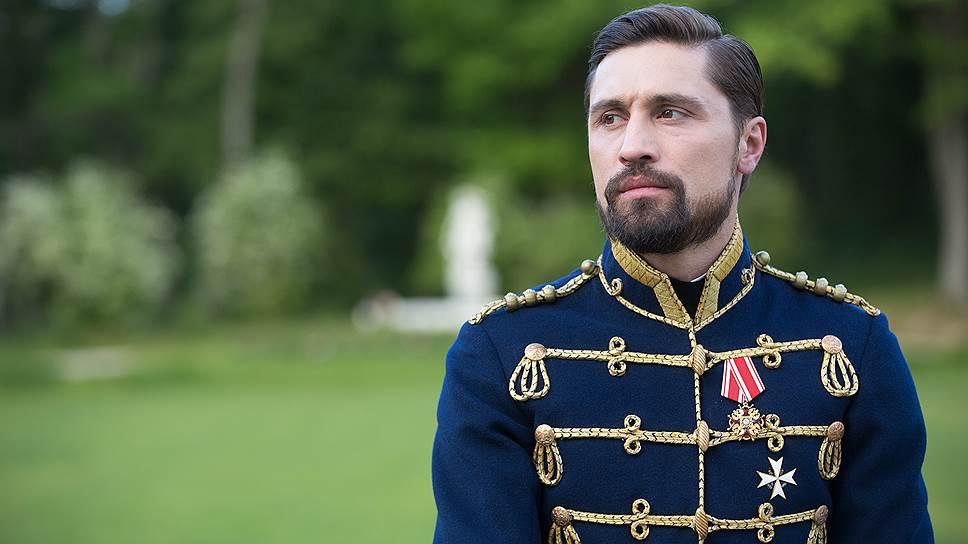 Создатели фильма явно надеялись на то, что Дима Билан в роли ротмистра Долматова способен привести в кинотеатры армию фанатов