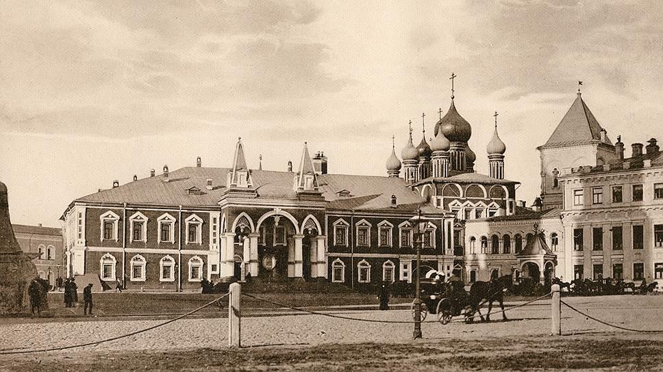Чудов монастырь в начале XX века. В таком виде он простоял до сноса в 1929 году