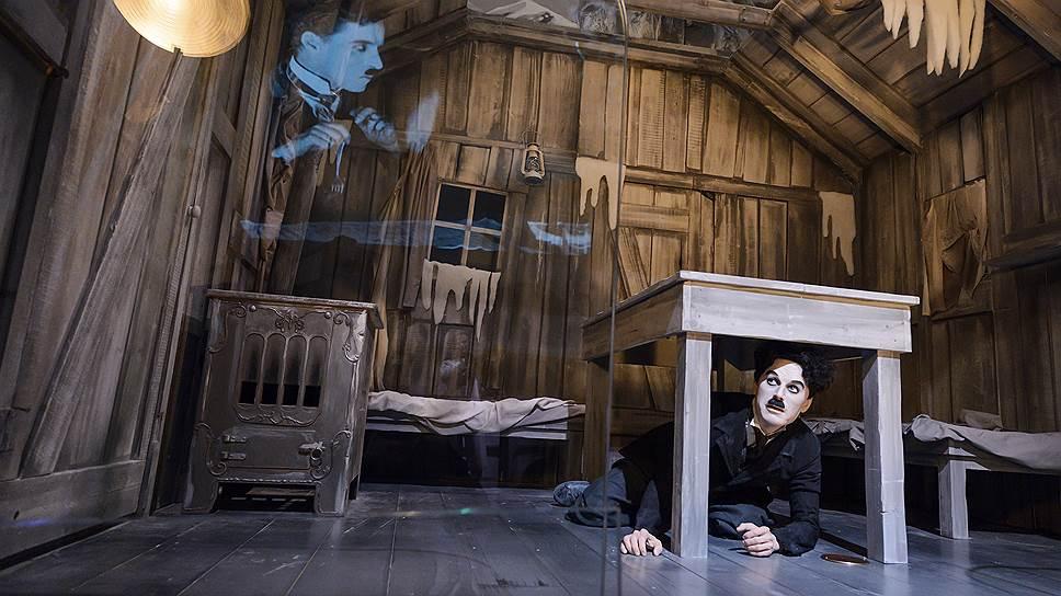 """""""Мир Чаплина"""" предлагает посетителям наблюдать за сценками из жизни Чарли и из его фильмов и даже участвовать в них"""