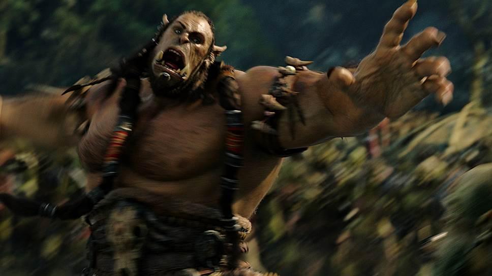 Вождь клана Северного Волка — Дуротан (оцифрованный Тоби Кеббелл) хоть и орк, но не только зубами щелк